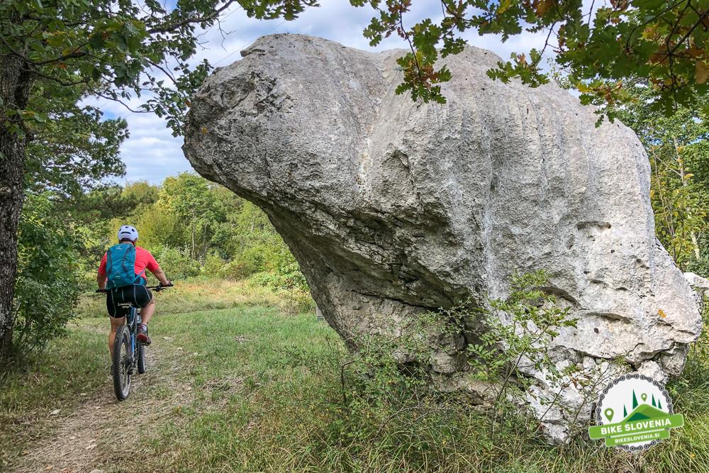 Vojkova koča na Nanosu - Bike Slovenia